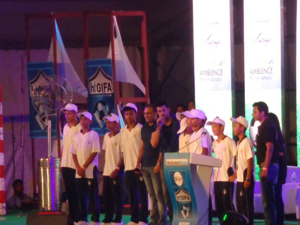 Mr. Virender Sehwag as a chief guest at HT GIFA 2015 opening ceremony with his school team 20 september 2015