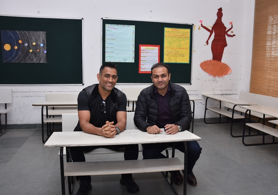 GOLDEN MOMENTS WITH CRICKET LEGEND M.S DHONI AT SEHWAG INTERNATIONAL SCHOOL